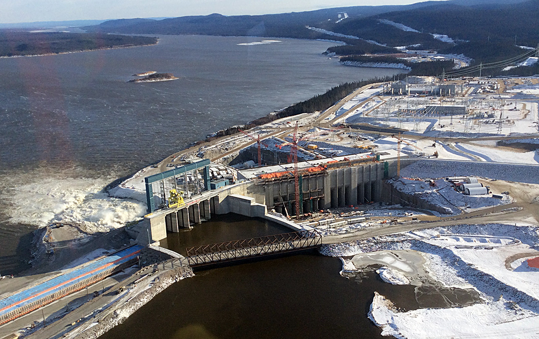 A customized access system helps build Muskrat Falls turbines