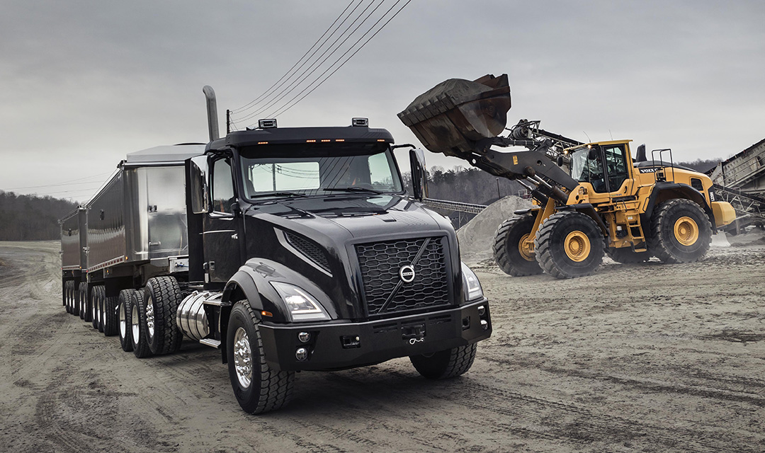 Long Haul Trucking >> Volvo Trucks' New VNX Series is a heavy hitter for heavy hauling