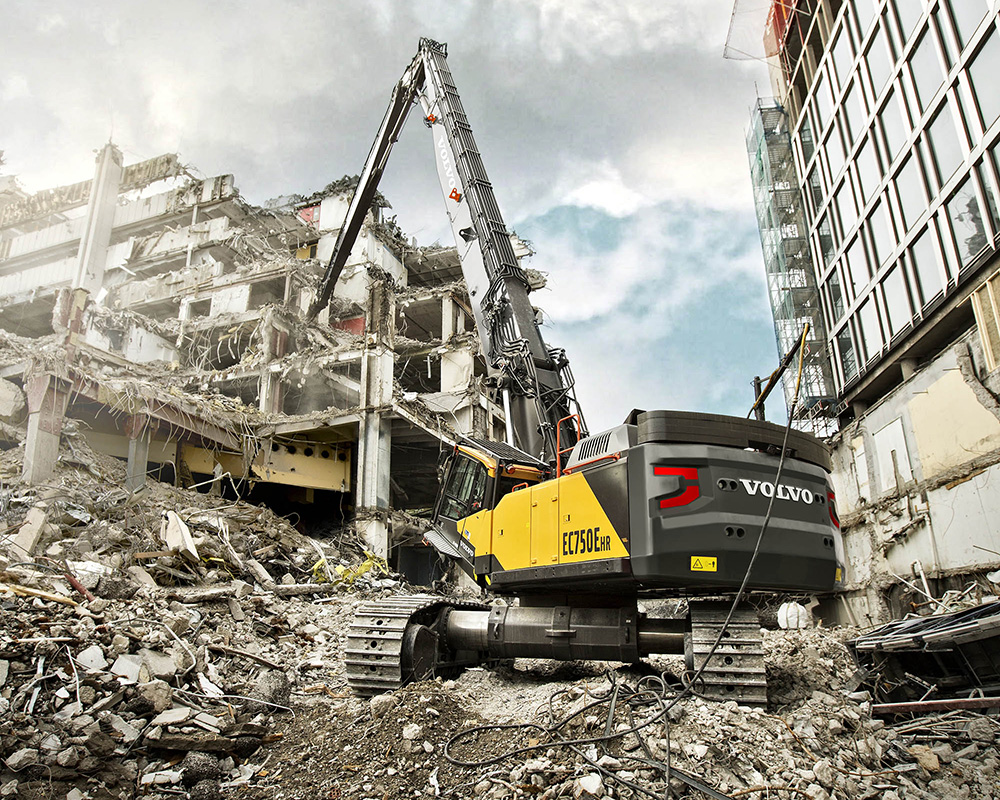 Volvo Ce S Largest High Reach Excavator Heads To North America