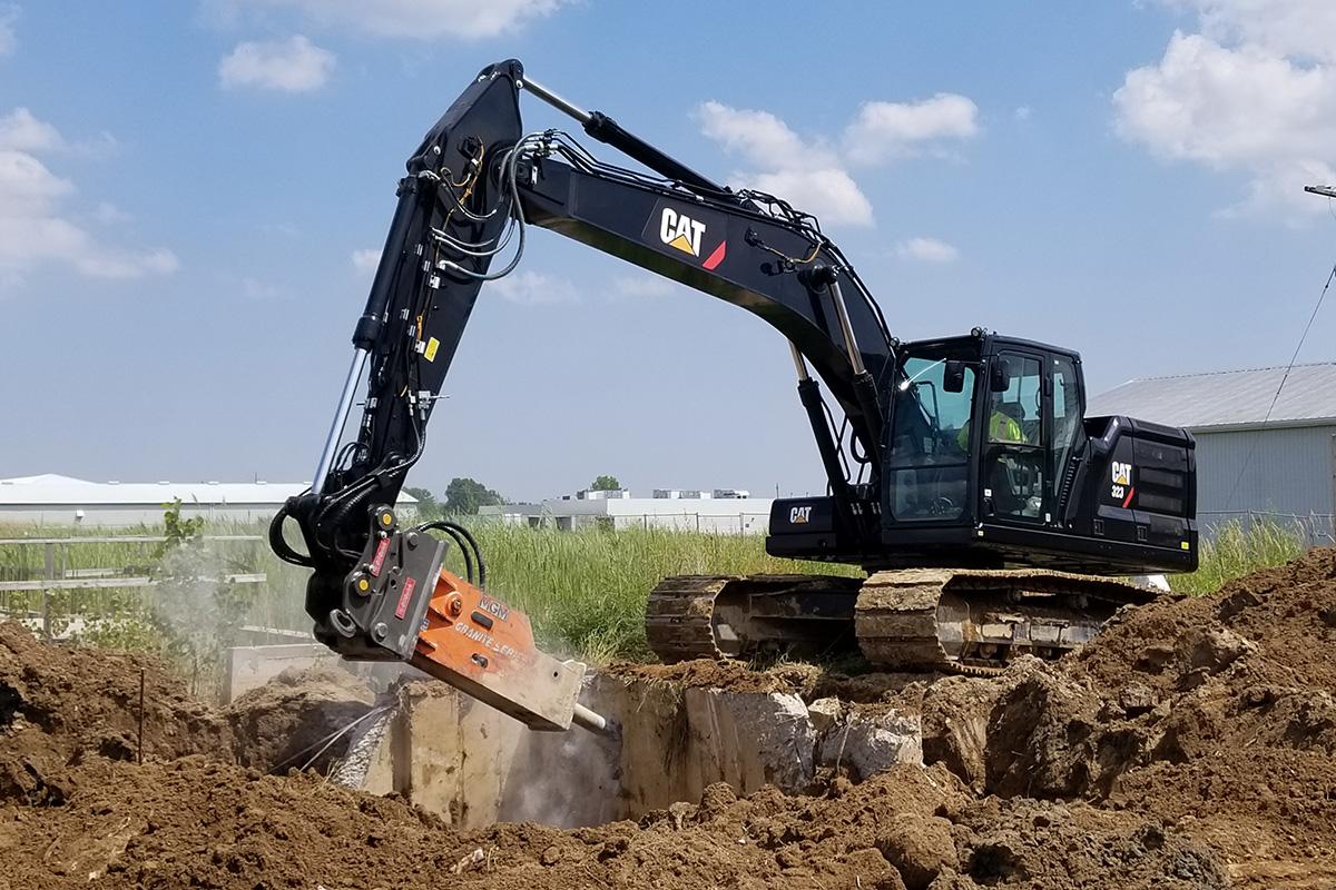 Black Black CAT® Digger