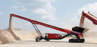 The 365R tracked radial stacking conveyor