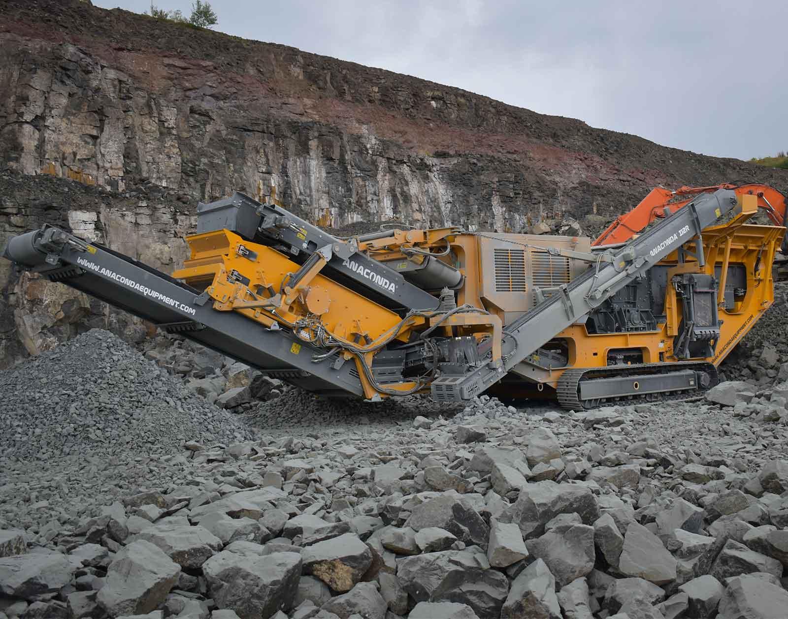 Anaconda I12-R on-site at a rock quarry.