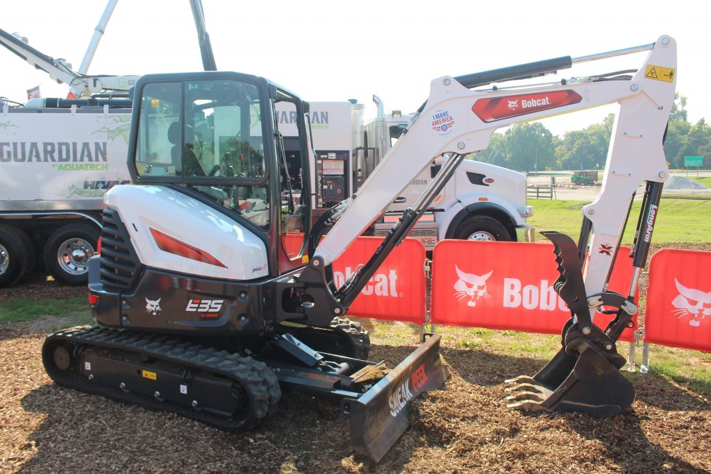 Bobcat R2-Series E35 on display at The Utility Expo 2021.
